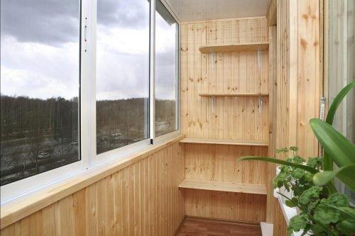 Плесень на стенах балкона: как от нее избавиться?