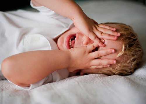 Характерные признаки и отличительные особенности укусов клопов у детей. Фото укусов, симптомы и методы лечения у ребенка