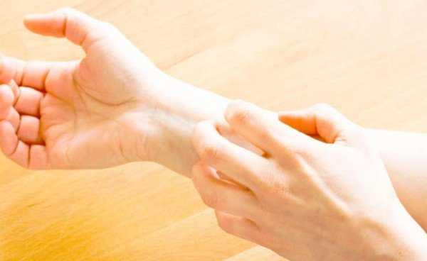Фото и описание чесоточного клеща, или зудня: как выглядят симптомы чесотки у человека и как от нее избавиться?